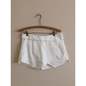 ZARA White Shorts XS